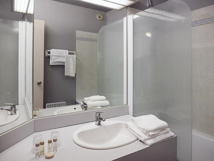 salle de bain hôtel Belvédère Brest